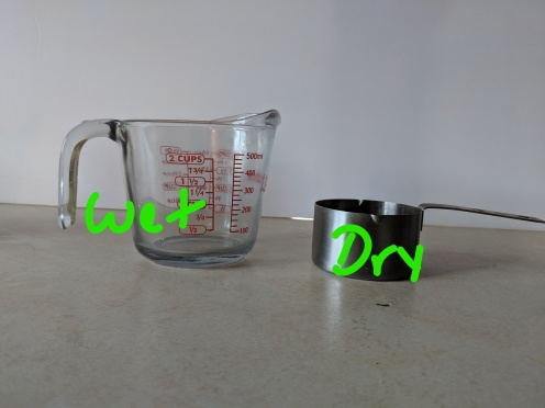 Difference between wet and dry measuring cups